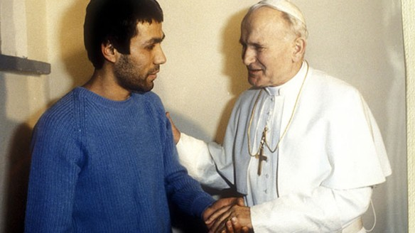 Papa y Ali Agca